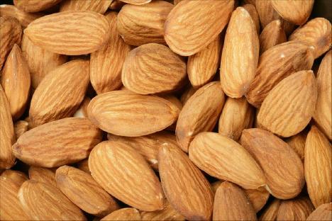 04-almonds