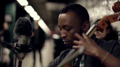 Violoncel la metrou