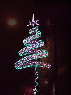 Jermyn-Street-christmas-lights-by-carolineld