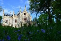 La Castelul Miclauseni