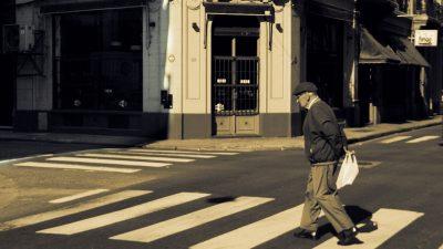 Poveste cu bunic la semafor