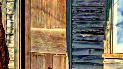 Sunt uși care …